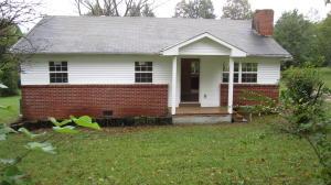 212 N Wooddale Rd, Strawberry Plains, TN 37871