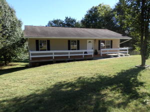 310 Elmwood Drive, Strawberry Plains, TN 37871