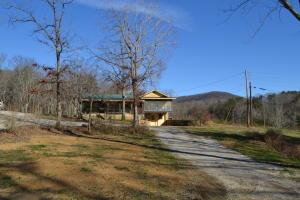 156 Wallace Rd, Crab Orchard, TN 37723