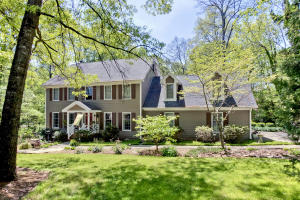 837 W Woodchase Rd, Knoxville, TN 37934