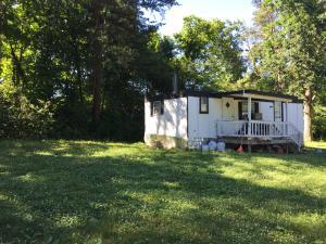 Hayes Lane, Crossville, TN 38571