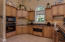 Great kitchen w/pantry w/swing out shelving