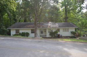 124 Taylor Road, Oak Ridge