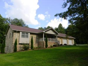 1164 Orlie Young Rd, Crab Orchard, TN 37723