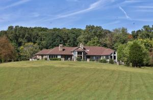 4333 Rest Camp Rd, Lenoir City, TN 37772