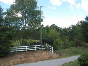 319 Ogle Rd, Seymour, TN 37865
