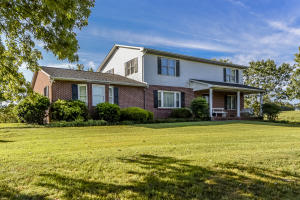 3042 Wildwood Rd, Maryville, TN 37804