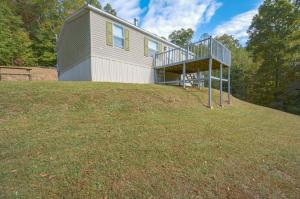 204 Monroe Hollow Rd, Powder Springs, TN 37848