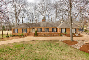 12359 North Fox Den Drive, Knoxville, TN 37934
