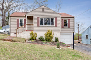 2104 North Park Blvd, Knoxville, TN 37917