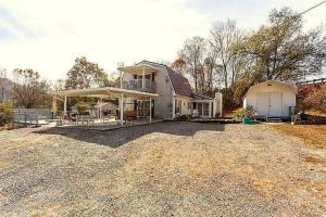 102 W Bullrun Valley Drive, Heiskell, TN 37754
