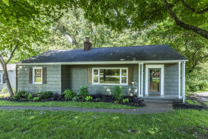 906 Forest Heights Rd, Knoxville, TN 37919