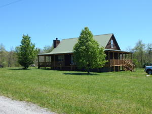 228 W Fork Rd, Pleasant Hill, TN 38578