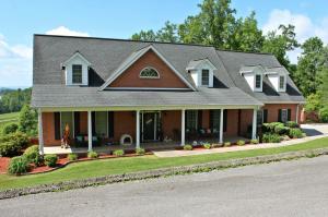 285 Bello Rd, Tazewell, TN 37879