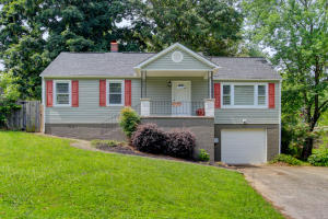 4313 Hayes Rd, Knoxville, TN 37912