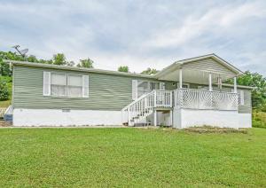 1086 Powder Springs Rd, Sevierville, TN 37876
