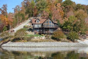 125 Turkey Ridge Rd, Rockwood, TN 37854