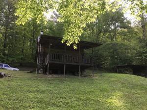 955 Little Creek Rd, Harrogate, TN 37752