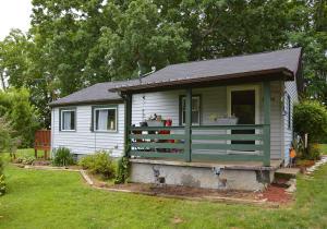 9524 Thorn Grove Pike, Strawberry Plains, TN 37871