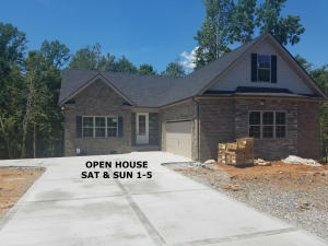OPEN HOUSE SATURDAY & SUNDAY 1-5! Hickory Floor Plan 2276 sq ft with 3 bedroom/2 bath and a bonus room