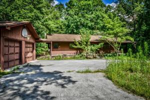 2569 Old Chilhowee Rd, Seymour, TN 37865