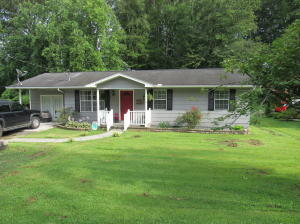 619 Sleepy Hollow Rd, Oliver Springs, TN 37840