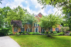 6446 MONT RICHE AVE ~ PRIVACY ON A CUL-DE-SAC ~ RECENT UPDATES THROUGHOUT