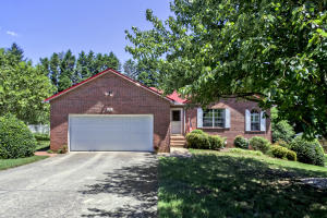 820 Sailview Rd, Knoxville, TN 37934