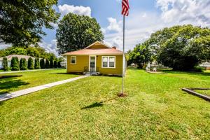 301 Russell Rd, Rockford, TN 37853