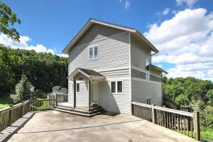 563 Deerwood Lane, Lafollette, TN 37766