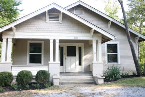 3117 Rennoc Rd, Knoxville, TN 37918