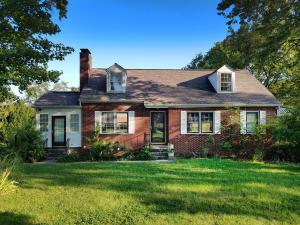 1804 NE Cedar Lane, Knoxville, TN 37918