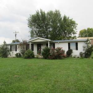 121 Ridenour Lane, Jacksboro, TN 37757