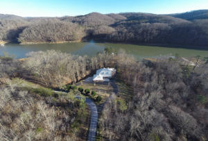 860 Black Fox Harbor Rd, Washburn, TN 37888