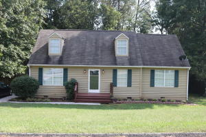 1616 Summerhill Dr, Knoxville, TN 37922