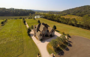 2840 River Island Blvd, Kodak, TN 37764