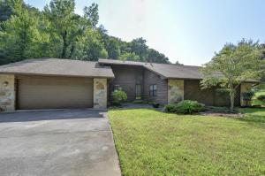 105 Graceland Rd, Oak Ridge, TN 37830
