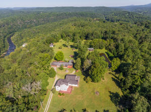 2032 State Route, Harriman, TN 37748