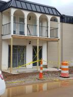REDOING LANDSCAPING- UNIT IS ON STREET LEVEL, EASY ENTRY-NO STEPS! PERFECT FOR UT STUDENT