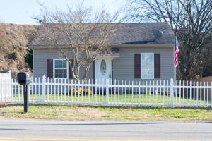 2308 Mitchell St, Knoxville, TN 37917