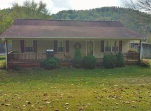 1592 Dry Valley Rd., Thorn Hill, TN 37881
