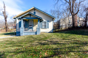 3112 Whittle Springs Rd, Knoxville, TN 37917