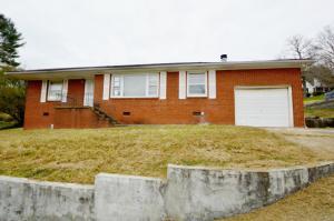318 Hickory St, Clinton, TN 37716