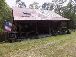 930 Old Furnace Rd, Tellico Plains, TN 37385