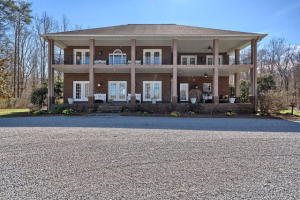1914 Lewis Rd, Spencer, TN 38585