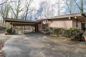 Mid Century Modern Frank Lloyd Wright Inspired Home