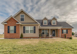 702 Commonwealth Ave, Strawberry Plains, TN 37871