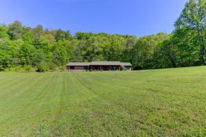 1525 Crenshaw Rd, Knoxville, TN 37920