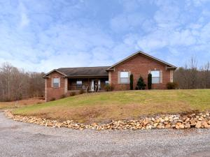 1013 Blockhouse Valley Rd, Clinton, TN 37716