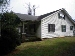 172 Mountain Rd, Clinton, TN 37716